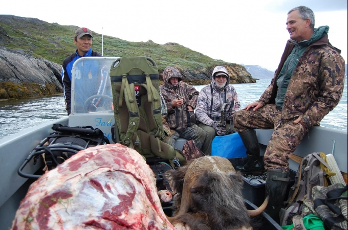 Greenland Hunting